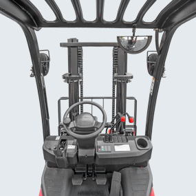 New type of steel channels and mast system of brand-new design are applied to increase visibility in front of the driver.